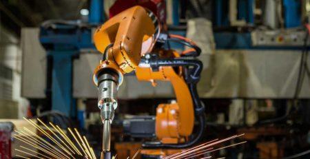 ¿Cuáles son los tipos de robots industriales más utilizados por las empresas?